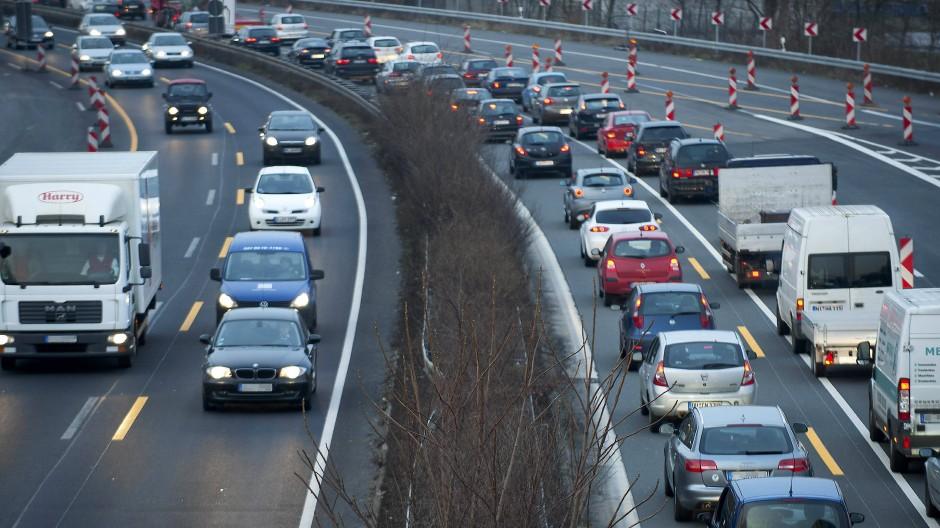 Das Glück ungehinderter Mobilität: Verkehrsstau in Nordrhein-Westfalen