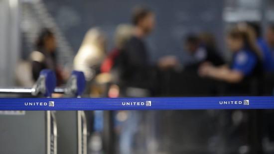 Chef von United Airlines entschuldigt sich