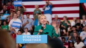 Clinton kündigt größtes Investitionsprogramm seit 1945 an