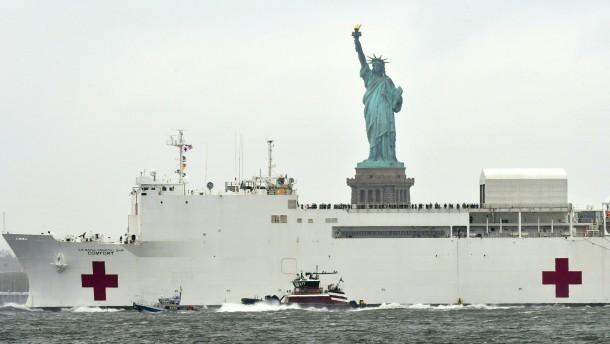 Krankenhausschiff verlässt New York