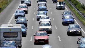 Die Autoindustrie vernetzt ihre Fahrzeuge
