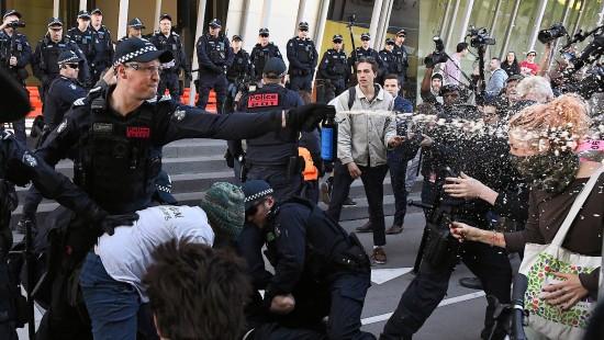 Heftige Auseinandersetzung in Melbourne