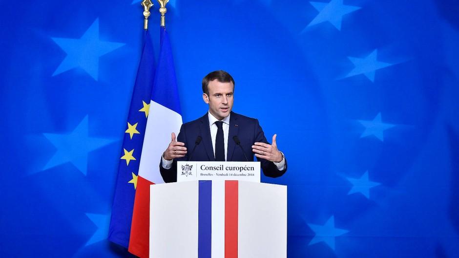 Frankreichs Präsident Emmanuel Macron am Freitag auf dem EU-Gipfel in Brüssel während einer Pressekonferenz