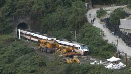 Kranwagenfahrer nach Zugunglück in Taiwan in Haft
