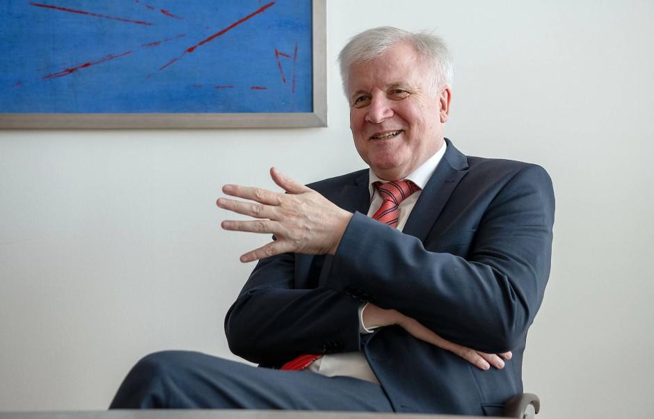 """""""Ich bin dagegen, ein Produkt aus dem Markt zu nehmen, nur weil die Möglichkeit besteht, dass etwas passieren könnte"""": Horst Seehofer über Huawei und das deutsche 5G-Netz"""