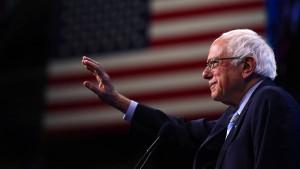 Bernie Sanders unterbricht Wahlkampf