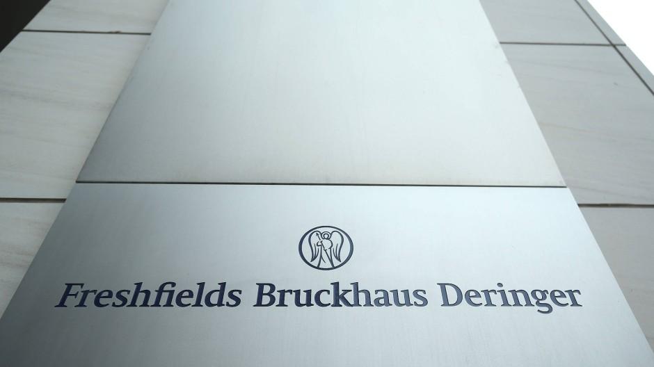 Die Anwaltskanzlei Freshfields Bruckhaus Deringer