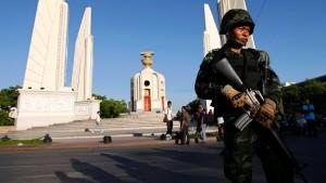 Militär untersagt Politikern die Ausreise