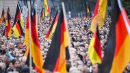 Ohne Flüchtlingswelle des Jahres 2015 undenkbar: Der Aufstieg der AfD – hier eine Demonstration am 1. September in Chemnitz.