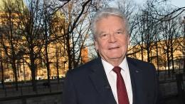 Gauck: Nicht eine ganze Partei zum Feind erklären
