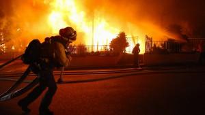 Tausende fliehen vor Waldbränden in Kalifornien
