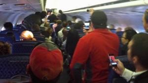 Stewardess kündigt Absturz an
