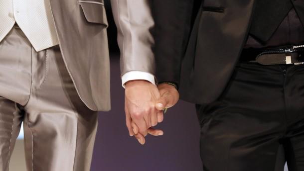 Homo-Ehe: Vorsto fr gleichgeschlechtliche Ehe in Spanien