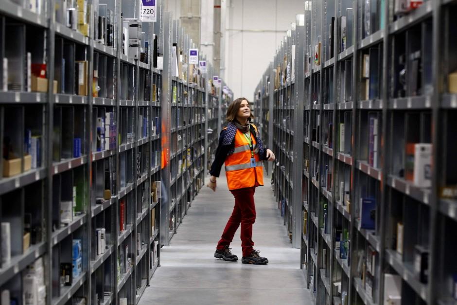 Amazon, hier das Logistikzentrum in Los Angeles, dominiert den Internethandel