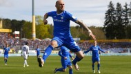 Darmstadts Rausch mit Freudensprung nach seinem 1:0 gegen Ingolstadt.