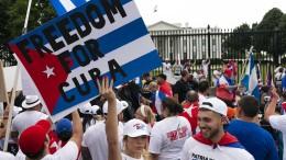 Bidens Regierung verhängt neue Sanktionen gegen Kuba