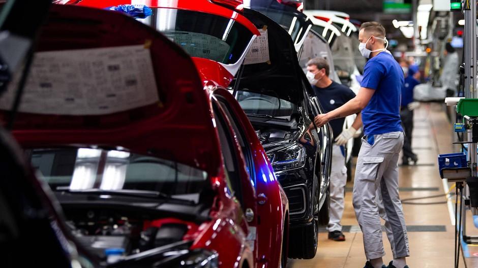 Betrieb im Wolfsburger VW-Werk wieder aufgenommen