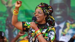 Grace Mugabe soll  Elfenbein geschmuggelt haben