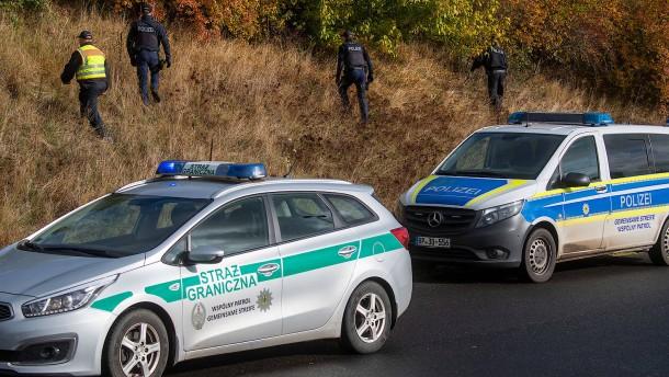 Bundespolizeigewerkschaft warnt vor Kollaps an Grenze zu Polen