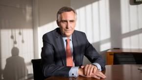 Peter Löscher - Der Vorstandsvorsitzende des Technologiekonzerns Siemens stellt sich in München den Fragen von Georg Meck