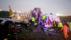 Mindestens ein Toter bei Flugzeugunglück in Istanbul