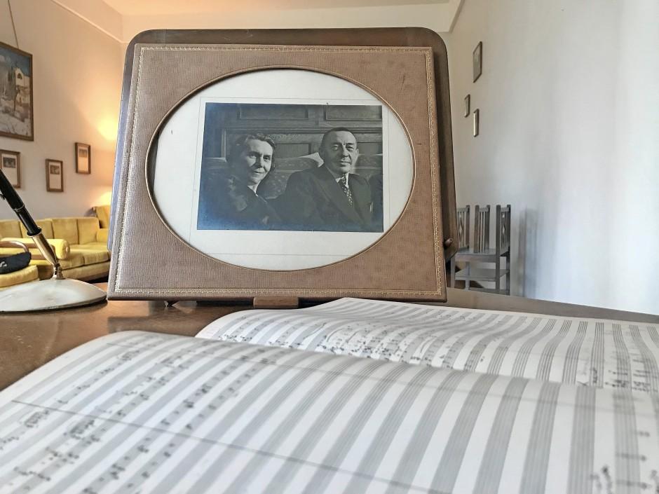 Porträt von Natalja und Sergej Rachmaninow aus dem Schreibtisch der Villa Senar