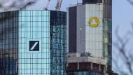 Die Konzernzentralen von Deutscher und Commerzbank in Frankfurt am Main