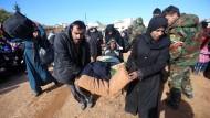 Einwohner von Aleppo fliehen aus der Stadt