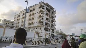 Autobombenanschlag erschüttert Mogadischu