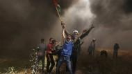 Gewaltbereit: Palästinensische Demonstranten im April am Grenzzaun