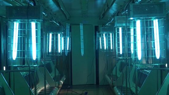 U-Bahn in Moskau wird mit UV-Licht desinfiziert