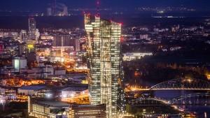 Die Bundesregierung verteidigt den EZB-Staatsanleihekauf