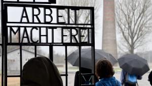 AfD-Besuchergruppe provoziert in KZ-Gedenkstätte
