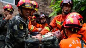 13 Tote und viele Verletzte bei Erdbeben in Sichuan