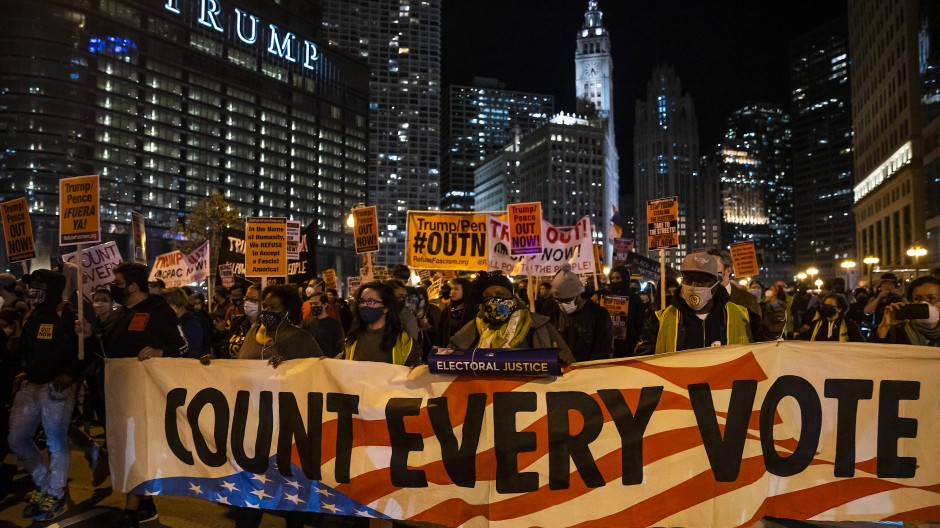 Protestmarsch für die Zählung sämtlicher abgegebener Stimmen bei der Präsidentschaftswahl, Chicago, 4. November 2020