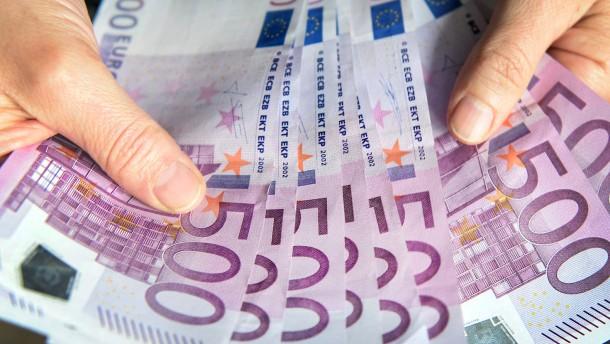 Gegen Geldwäsche: EU verschärft Kontrolle großer Bargeldtransfers