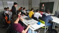 Die Integration von Flüchtlingen – hier ein Deutschunterricht in Baden-Württemberg im April 2016 – wird in Zukunft ähnlich finanziert wie bisher.