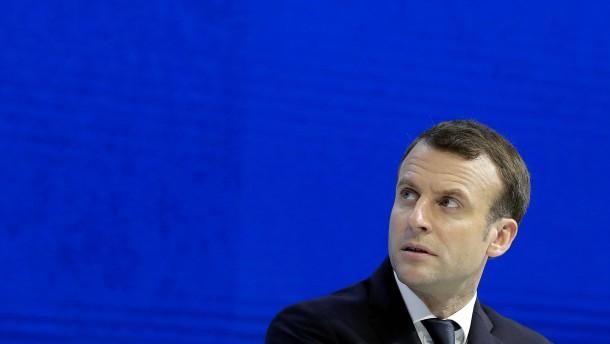 Macron droht Assad mit Angriffen