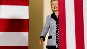 Clintons Vorsprung vor Trump schmilzt nach Orlando-Massaker