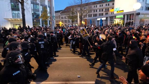 """Demo stürzt sächsische Koalition in """"Vertrauenskrise"""""""