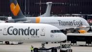 Eine Condor-Maschine am Flughafen Düsseldorf