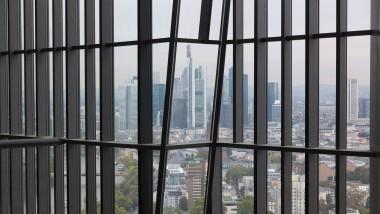 Blick aus der künftigen EZB-Zentrale in Frankfurt: Von hier aus soll der Geldregen auf die Eurozone niedergehen