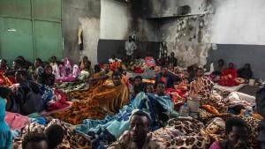 Bundesregierung zahlt 120 Millionen Euro für Flüchtlinge
