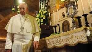 Papst bleibt beim Nein zur Priesterweihe für Frauen