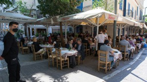 Griechenland öffnet Außengastronomie ab Anfang Mai
