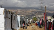 Kinder in einem inoffiziellen Flüchtlingslager im Libanon im Bekaa-Tal