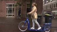 Im Spazieren Fahrradfahrer abhängen