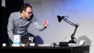 Zauberkunst-Europameister zeigt seine besten Tricks
