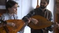 Zupfinstrument Cobza kommt wieder in Mode