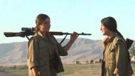 Kurdinnen bieten Dschihadisten die Stirn
